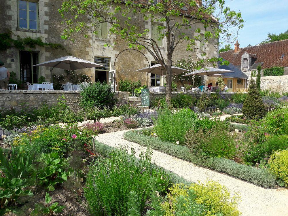 Le jardin du presbytère ouvert de 10h30-13h et 14h30-18h30